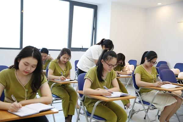 Học viên được trang bị toàn bộ kiến thức về massage